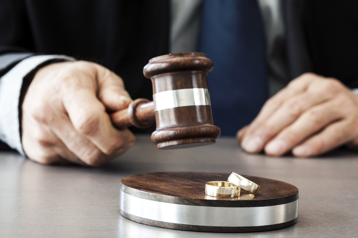Hiring A Divorce Attorney: Don't Miss These Aspects – White Laws Rest